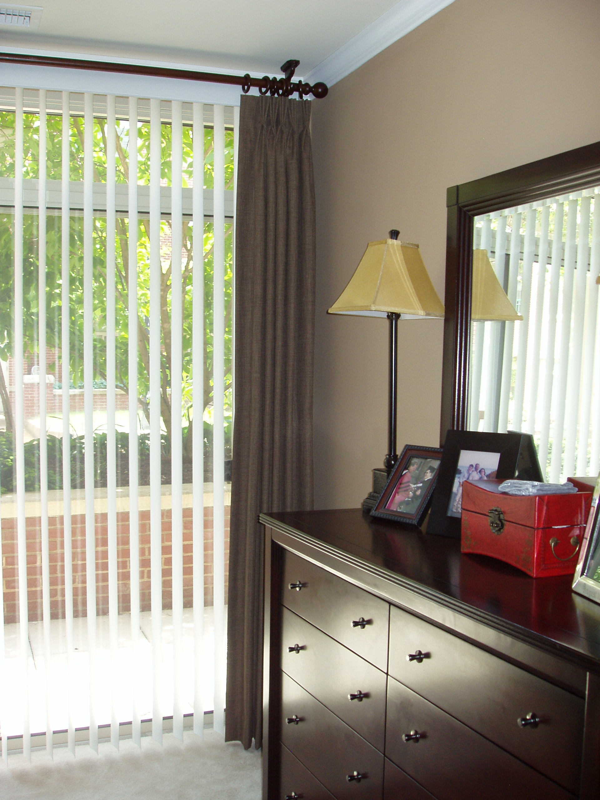 Unique Window Treatments For Sliding Glass Doors Wood brackets and ...